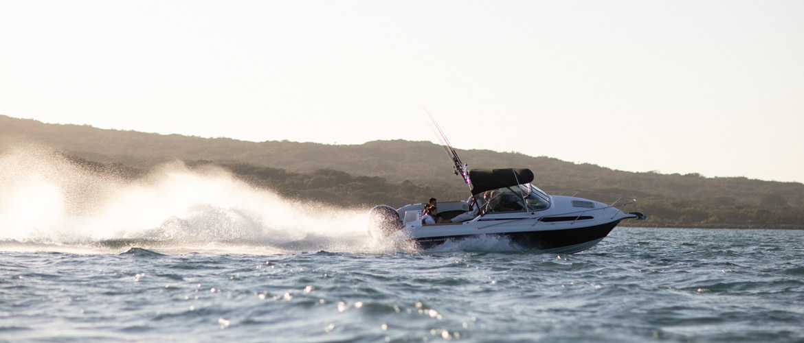 SF635 Boat Review by Pacific Powerboat | Haines Hunter
