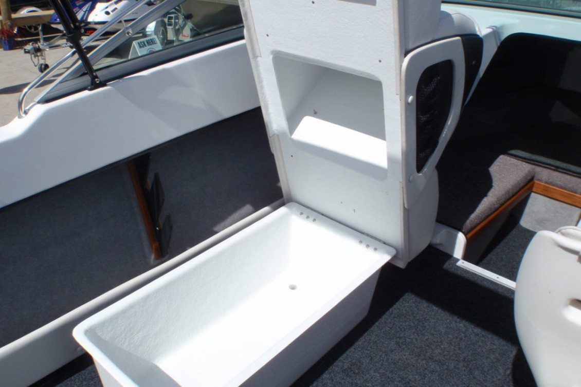 King and Queen Seat Storage. | Haines Hunter