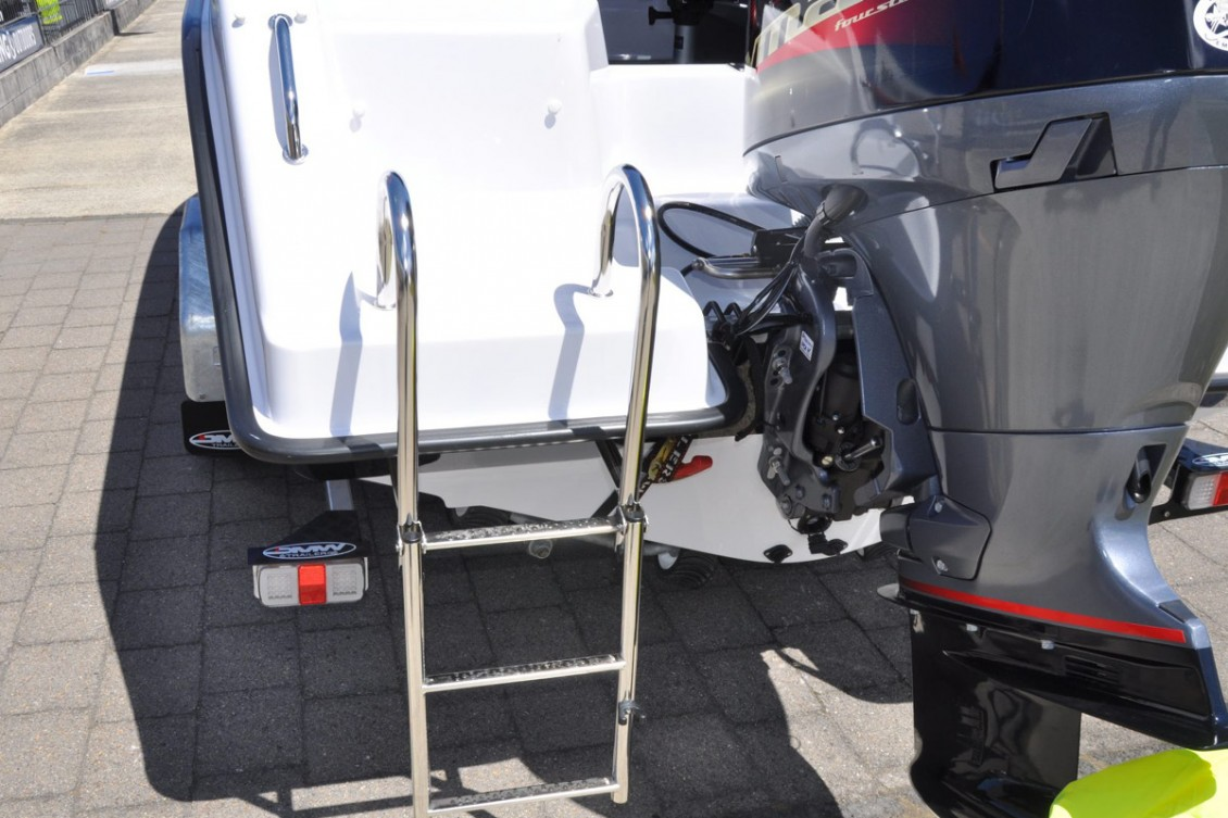 Extra deep boarding ladder | Haines Hunter